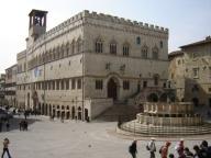 Perugia - Palazzo dei Priori con Fontana Maggiore