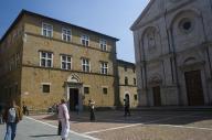 piazza-pienza1.jpg