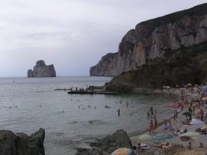 La spiaggia di Masua, sullo sfondo il Pan di Zucchero