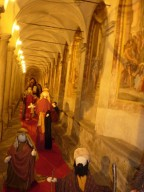 la via Crucis ospita il presepe