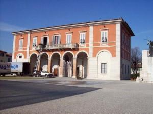 Il vecchio comune in piazza Matteotti