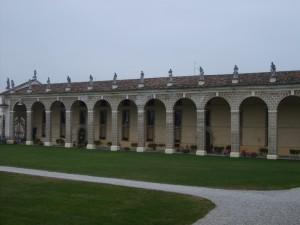 Veduta laterale della Villa