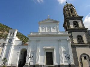 Basilica di Santa Maria del Lauro