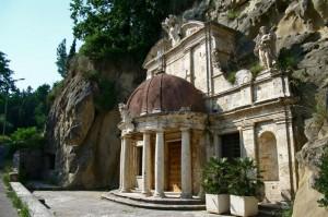 Tempietto di Sant'Emidio alle Grotte