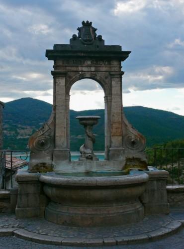 Castel di Tora - Fontana