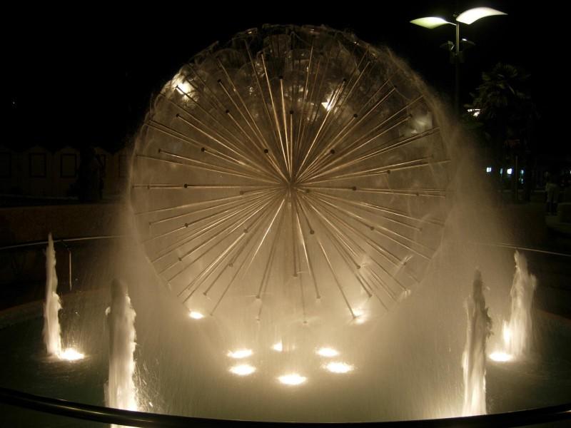 ''Nuova fontana sul lungomare'' - Misano Adriatico