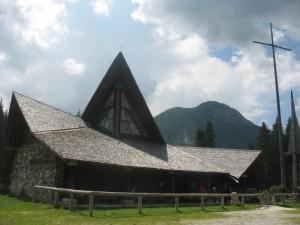 Chiesa della Madonna delle nevi in Val Visdende