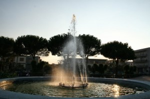 fontana al tramonto