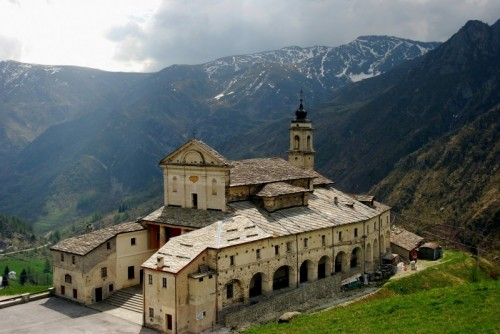 Castelmagno - TRA I MONTI