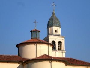 Campanile e cuspide della chiesa