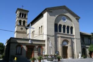 Chiesa con fontana a Sambucheto