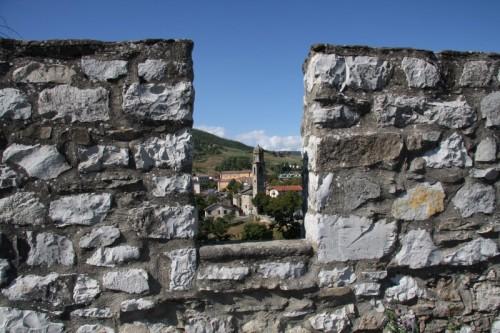 Bardi - Bardi, la chiesa ed il suo castello
