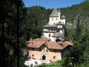 Il Santuario di San Romedio