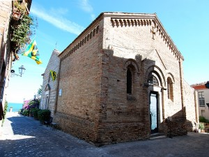 Santa Maria a mare in Torre di Palme