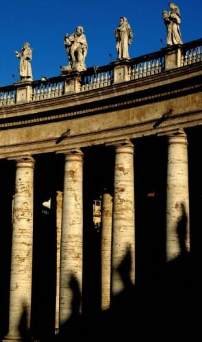 Roma - ombre sul colonnato
