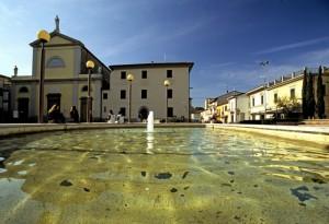 Agliana-Fontana della piazza principale