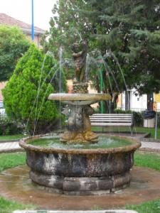 Fontana in P.zza del Risorgimento