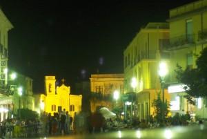 Chiesa nella piazza di Pizzo