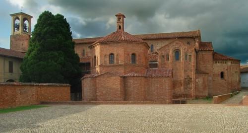 Lomello - Battistero San Giovanni ad Fontes (Sec.V)