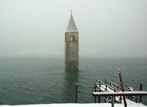 Curon Venosta - Campanile della vecchia chiesa di Curon - Lago di Resia