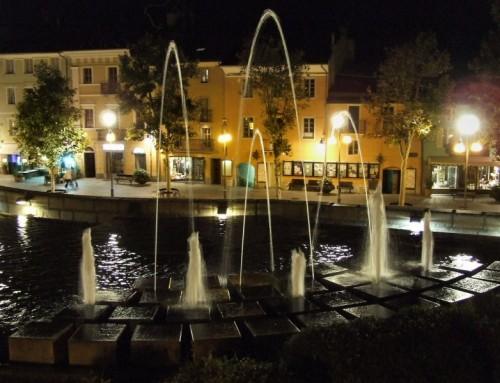 Saint-Vincent - Fontana di Saint-Vincent di notte