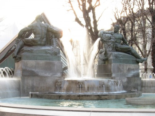 Torino - Torino, Piazza Solferino - Fontana Angelica