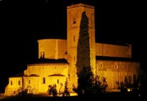 Sant'Antimo di notte