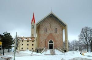 Chiesa ricca per un Santo Povero