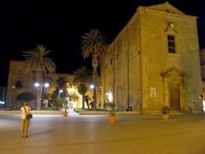 piazza e chiesa stupenda