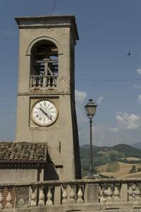 campanile sulla valle