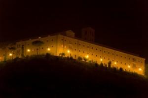 Abbazia di Montecassino illuminata