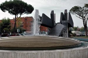Pomezia - Fontana di Piazza San Benedetto