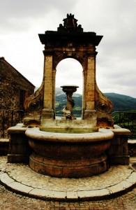 Fontana della piazza