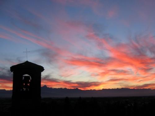 Bra - Tramonto sul vecchio campanile di S.Andrea