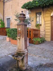 Fontana a Gradara, in settembre