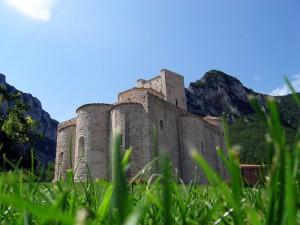 La chiesa fra le montagne