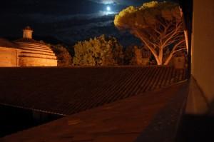 Rivello-luna piena su convento S.Antonio