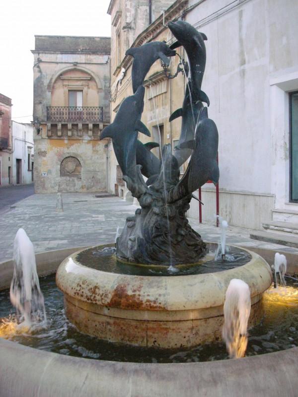 ''Fontana dei Delfini in P.zza S.Vito'' - Lequile