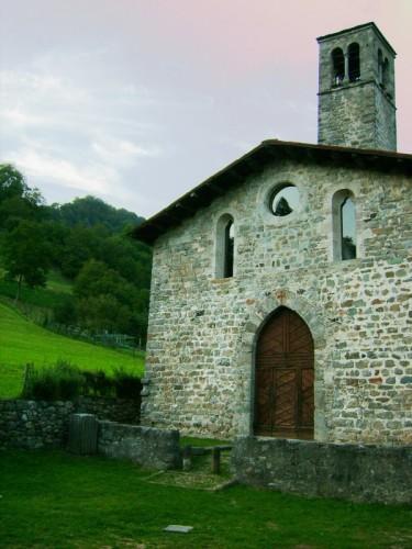 Camerata Cornello - chiesetta di montagna