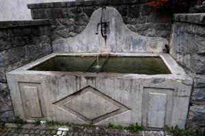 Fontana in centro a Daone