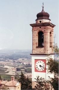 campanile sulla langa