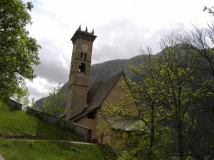 Chiesa con torre