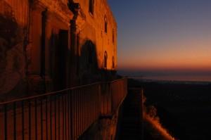 chiesa antica dentro il castello di S.L. DEL MELA