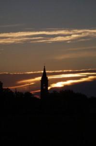 Marore - Il Campanile di Betania al tramonto