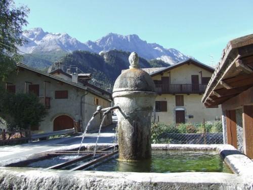 Oulx - La fontana di Savoulx