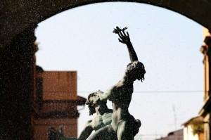 Fontana Piazza della Libertà arco di trionfo