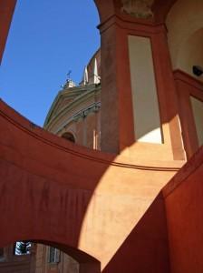 Gioco di colori e luci a San Luca