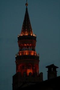 Il Torrazzo di Cremona di sera