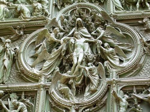 Milano - Medaglione sacro
