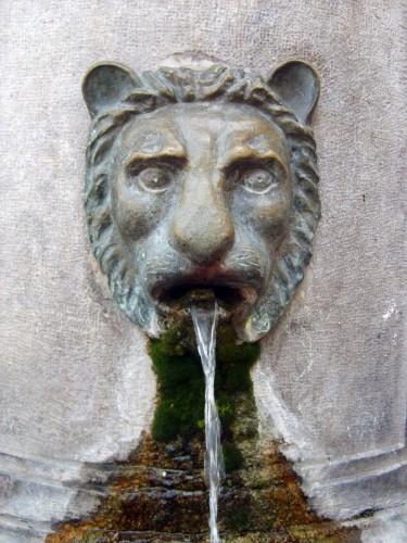 Capua - Particolare della fontana di Capua